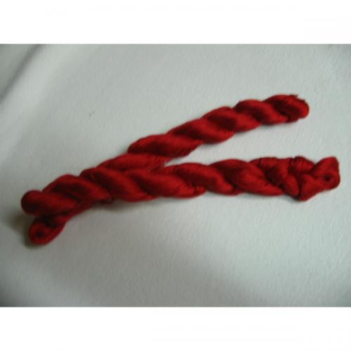 Filato perlè n 8 rosso